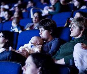 mães no CineMaterna. Evento do Portal Vipzinho