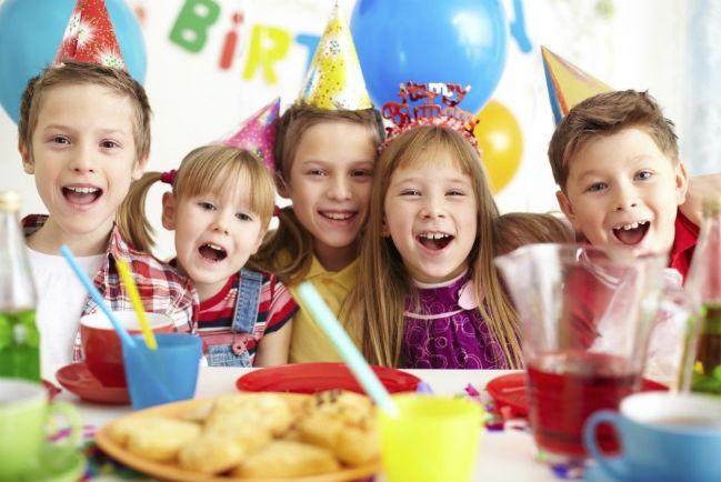 Crianças festa aniversário