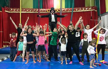 Escolas de Circo em Santo André. Aula de circo para crianças.