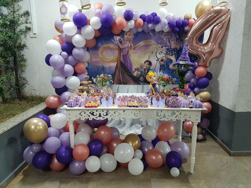 Oficina Encantada no Portal Vipzinho. Balões decorativos no ABC Paulista. Decorações no Portal Vipzinho.