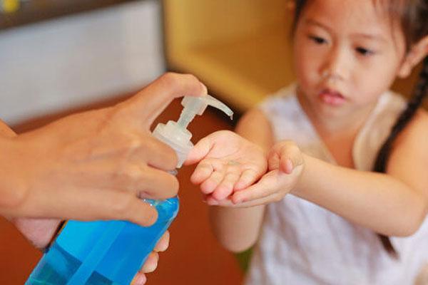 Álcool gel caseiro e aromaterapia contra vírus no vipzinho