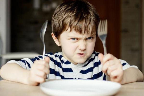 crianças sem espaço kids nos restaurantes com vipzinho