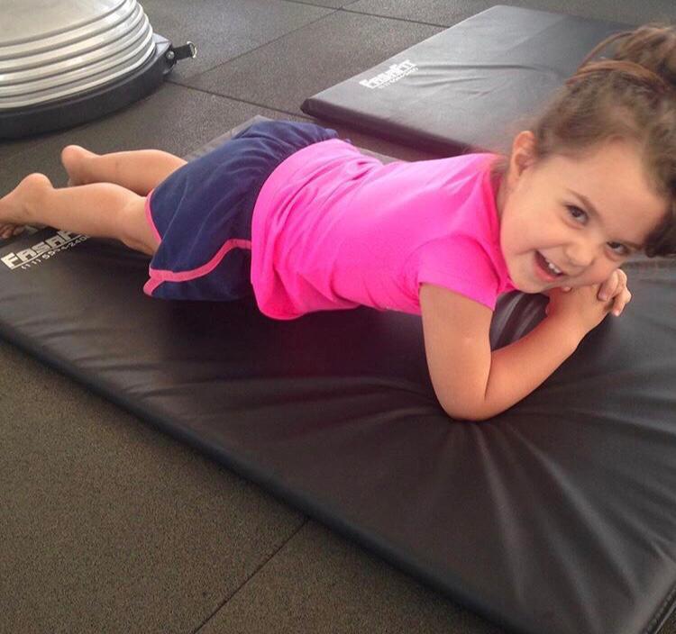 The Pilates Center pilates infantil no vipzinho