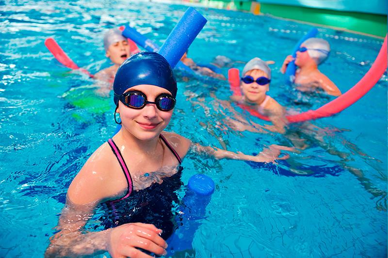 natação de crianças na peixinho dourado com vipzinho