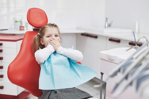 Confira o que fazer quando a criança se queixar de dor de dente - Portal Vipzinho