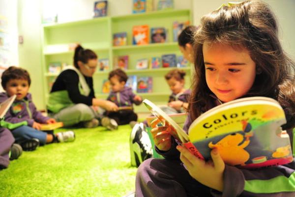 A importância do ensino bilíngue no dia a dia dos jovens e das crianças - Portal Vipzinho