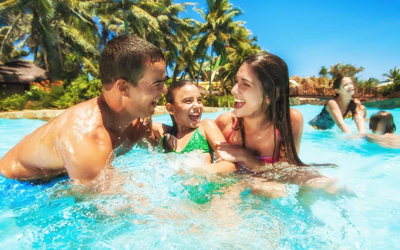 piscina dos parques aquáticos familia vipzinho