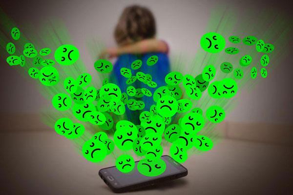 escola aprendiz falando sobre cyberbullying com os alunos no vipzinho
