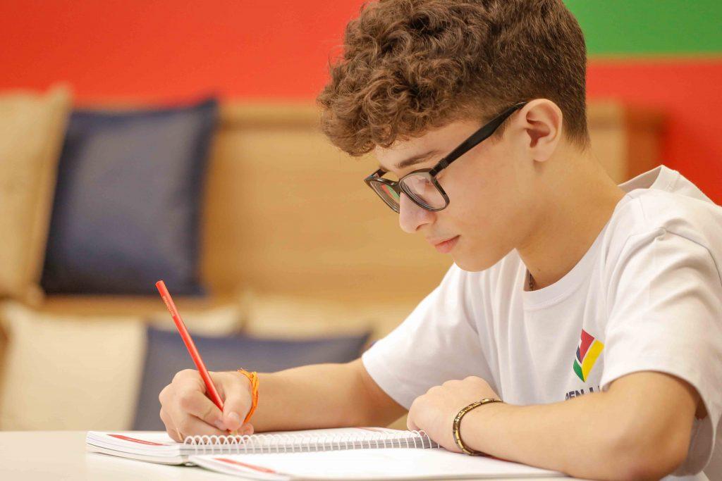 Escola Internacional de São Bernardo abre Concurso de Bolsas - Portal Vipzinho