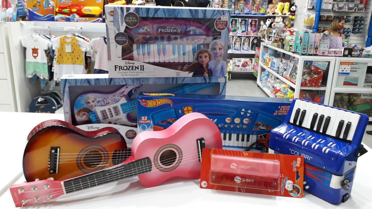 hb brincar e vestir instrumentos musicais no vipzinho